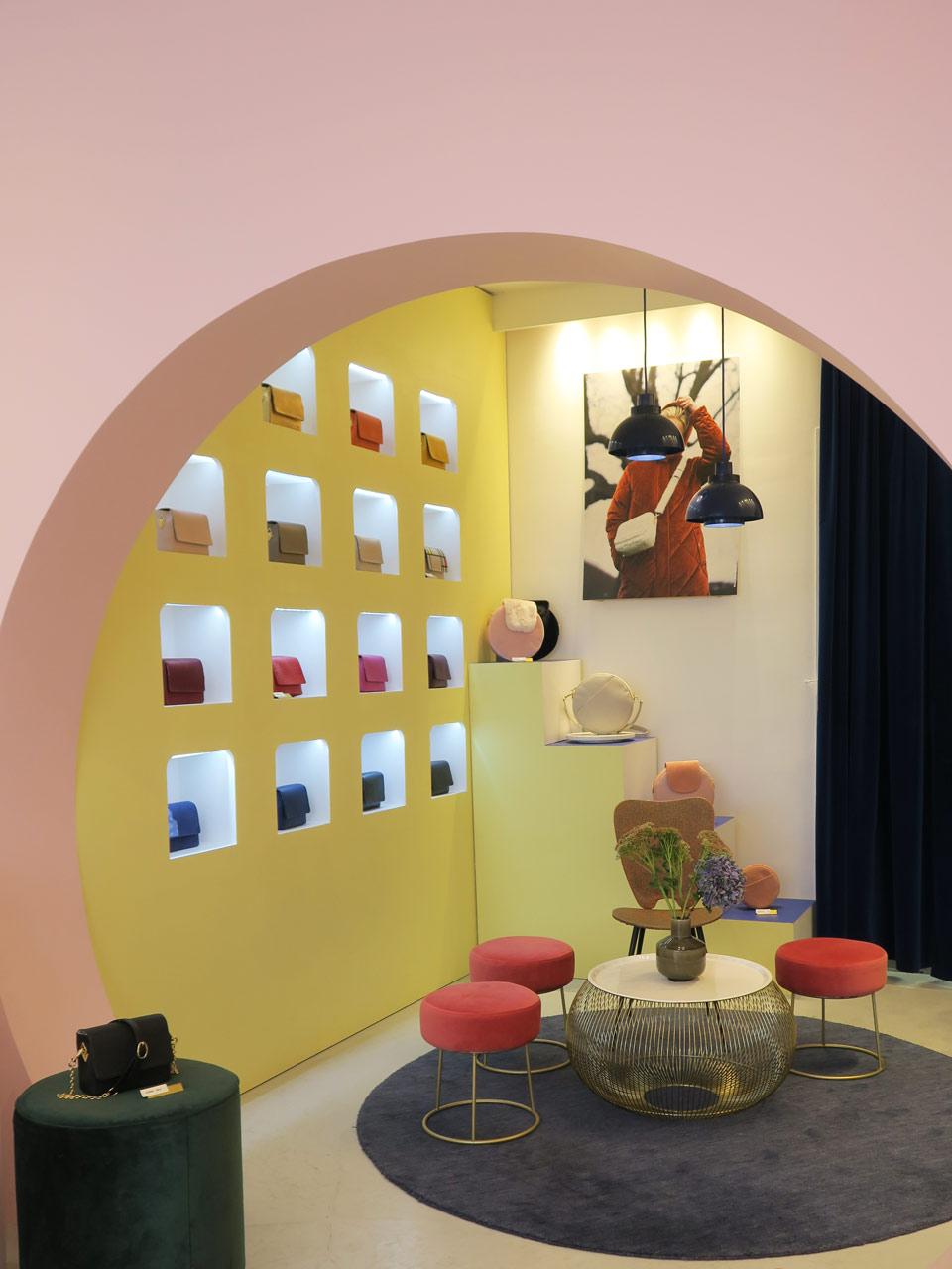 Néo boudoir dans la boutique Louvreuse à Paris