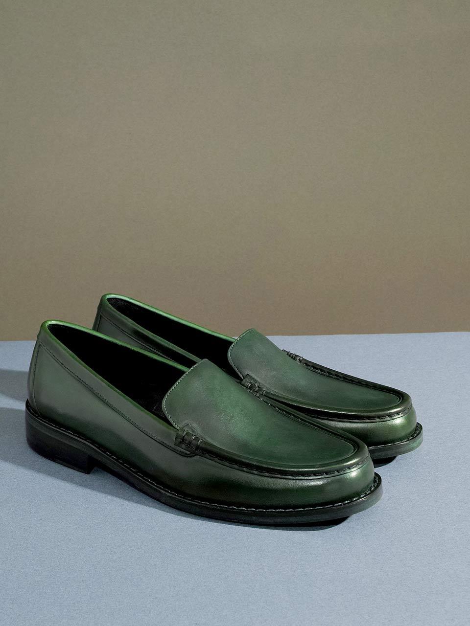 eafa6e75e8e8 Timothée Paris réinterprète les souliers masculins fabriqués en ...