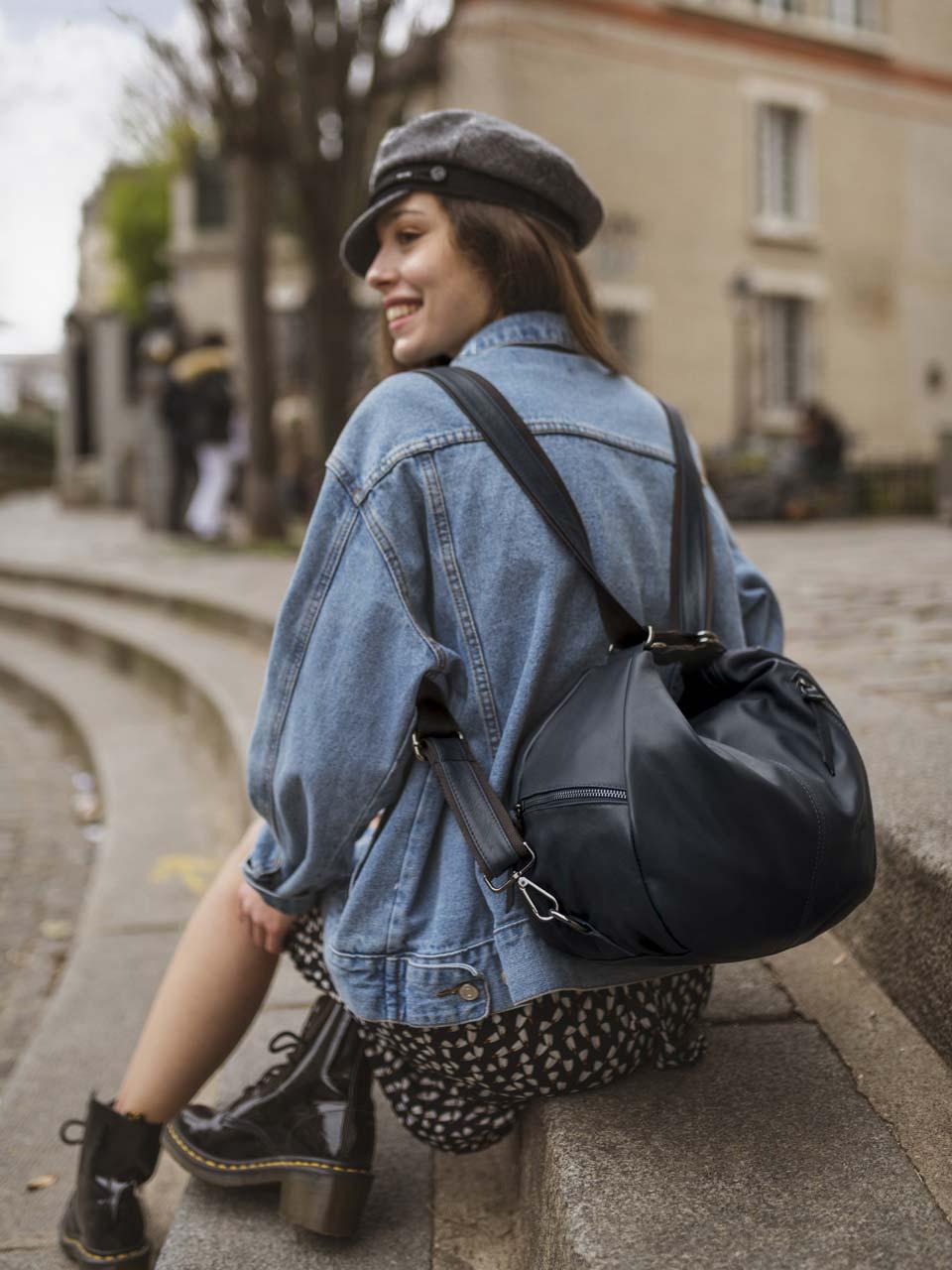 Sac porté épaule qui se transforme en sac à dos grâce à sa bandoulière astucieuse, Lea Toni