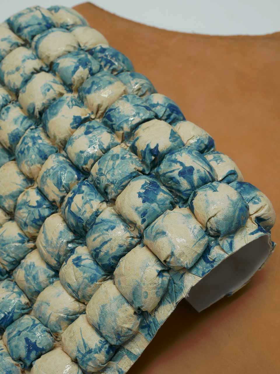 ubuck-indigo-recyclé-kotai-tannerie
