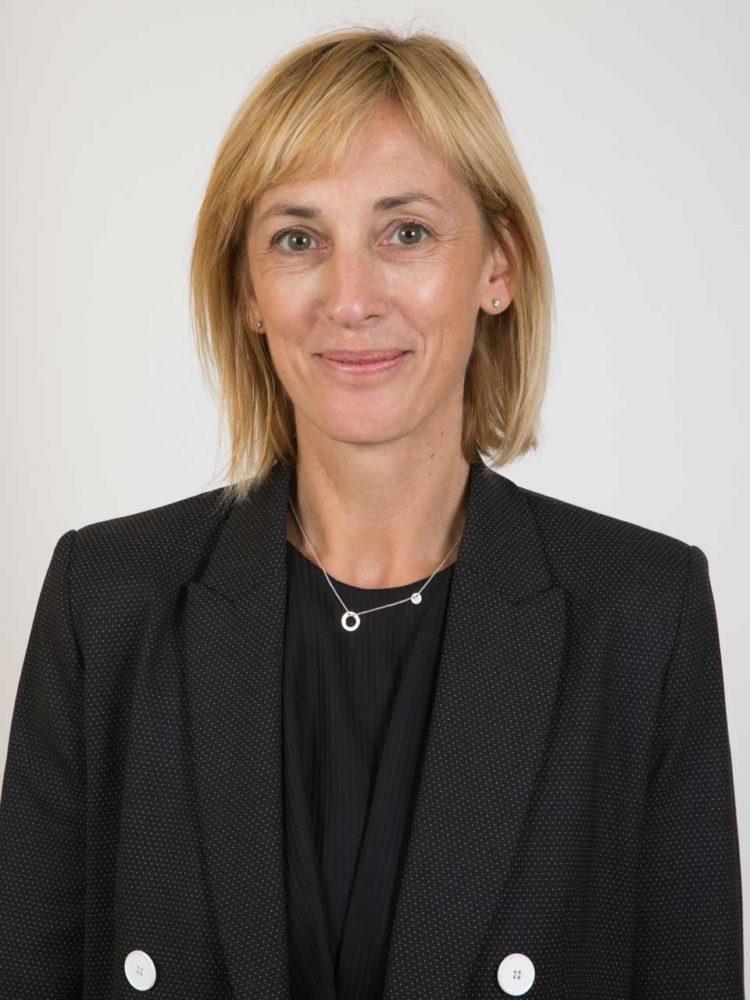 Nouvelle présidente de la Fédération des Détaillants en Chaussures de France, Sandrine Lacotte Garcin, détaillante de boutiques à l'enseigne Mephisto succède à Philippe Daquai.