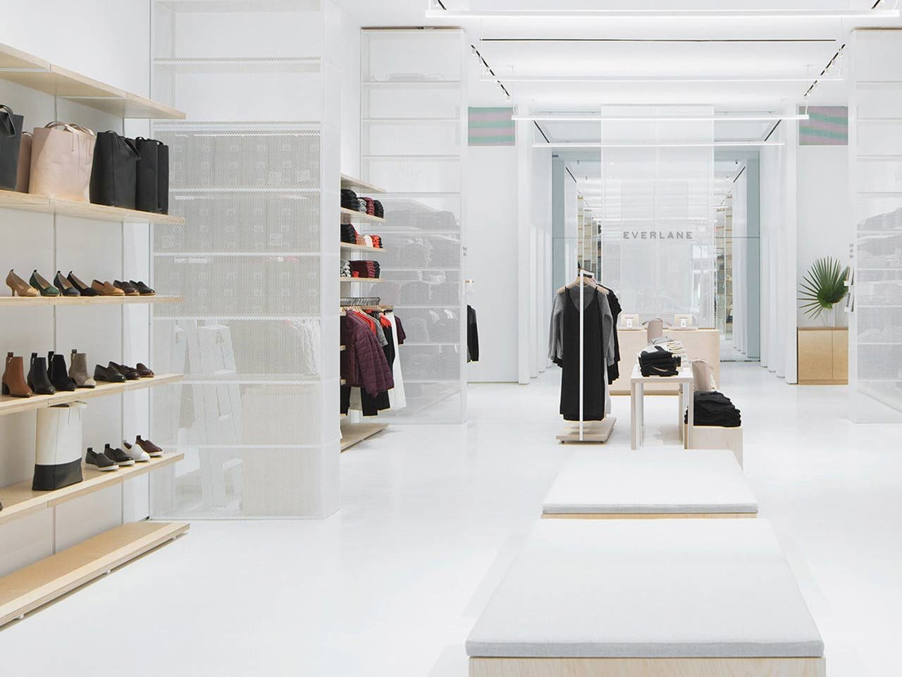 EVERLANE-ETUDE-HAVAS-SHoPPER