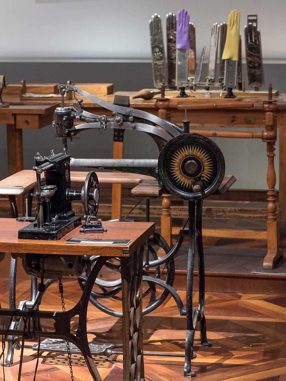 Musée de Millau atelier Ganterie