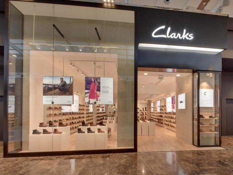 Clarks-Westfield-Carré-Sénart-vitrine