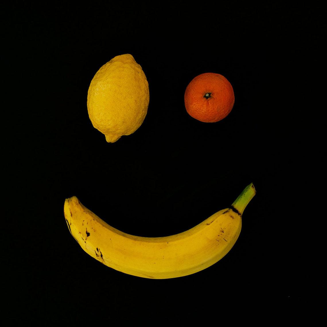 Des foulards issus d'agrumes, aux sacs en fibres de feuilles de bananier, en passant par des souliers en non tissé à base d'ananas, les start-up rivalisent d'inventivité pour imaginer des matières moins consommatrices d'eau, de pétrole et de ressources non renouvelables et des process industriels moins impactant sur l'environnement - Photo © Blake Weyland.