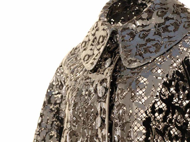 Manteau en cuir perforé Alaïa