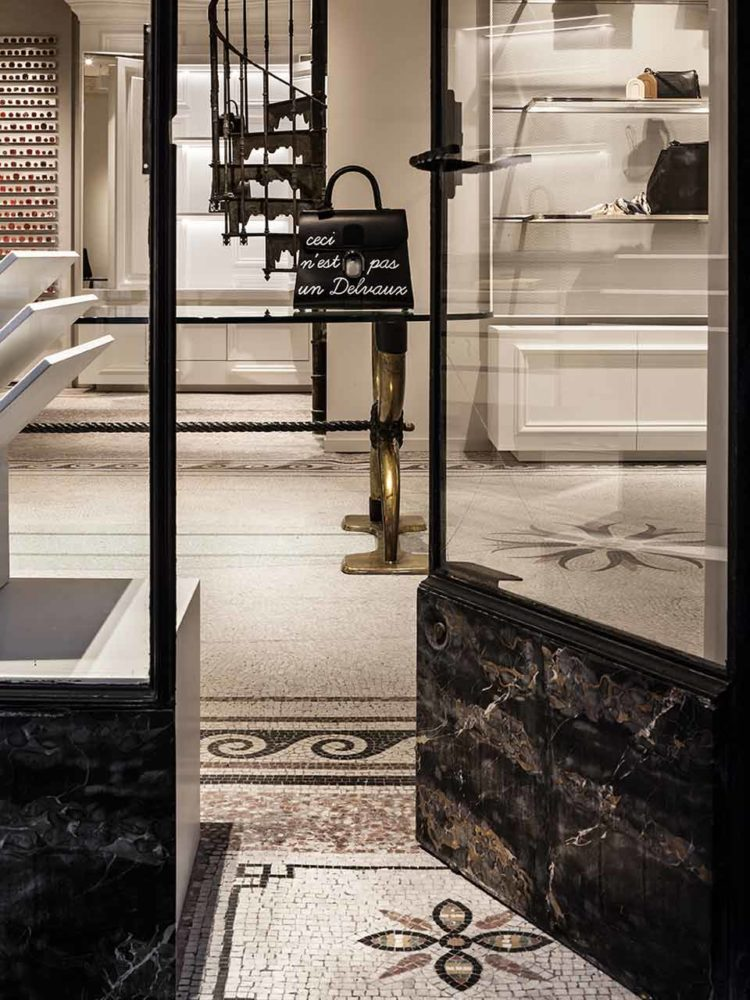 Delvaux boutique Paris