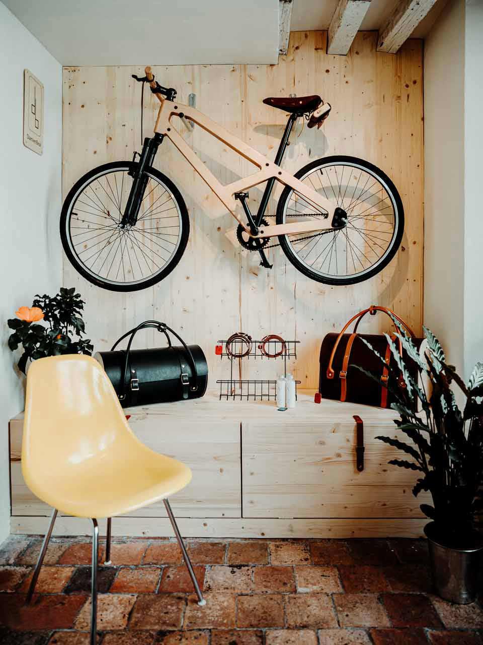 Damien Béal design cuir bois