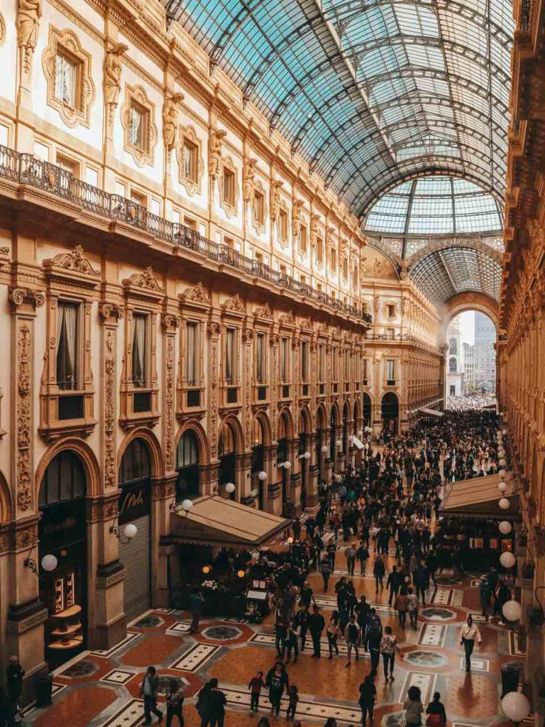 Shopping Galerie Vittorio Emanuele II Milan