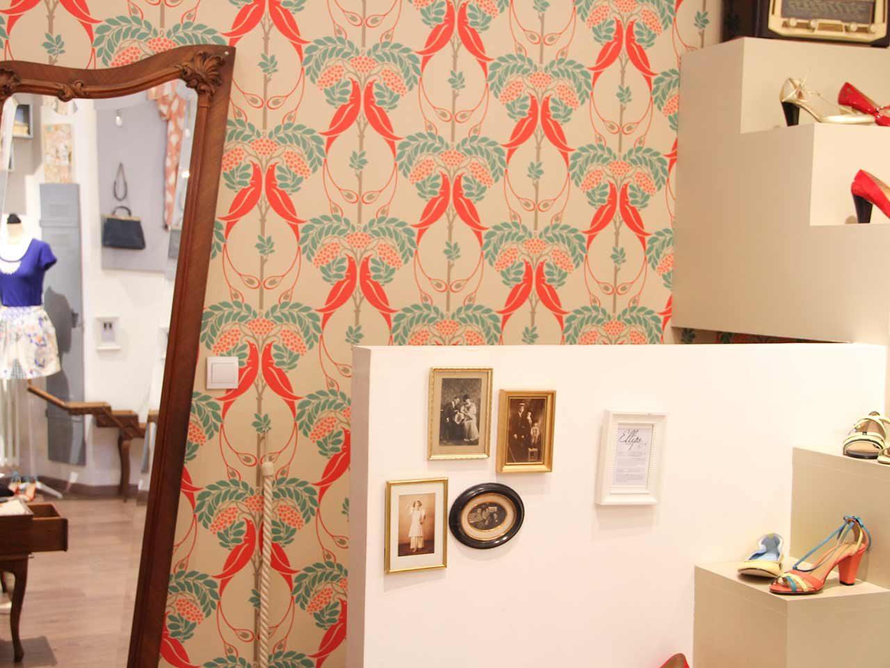 Paperdolls concept store Salon