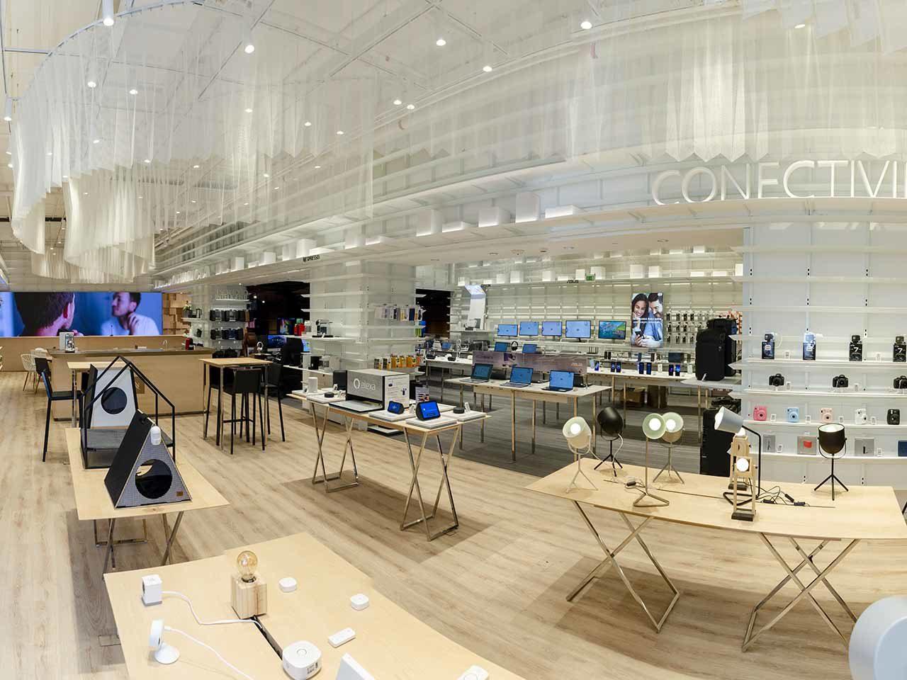 Fast Shop concept store