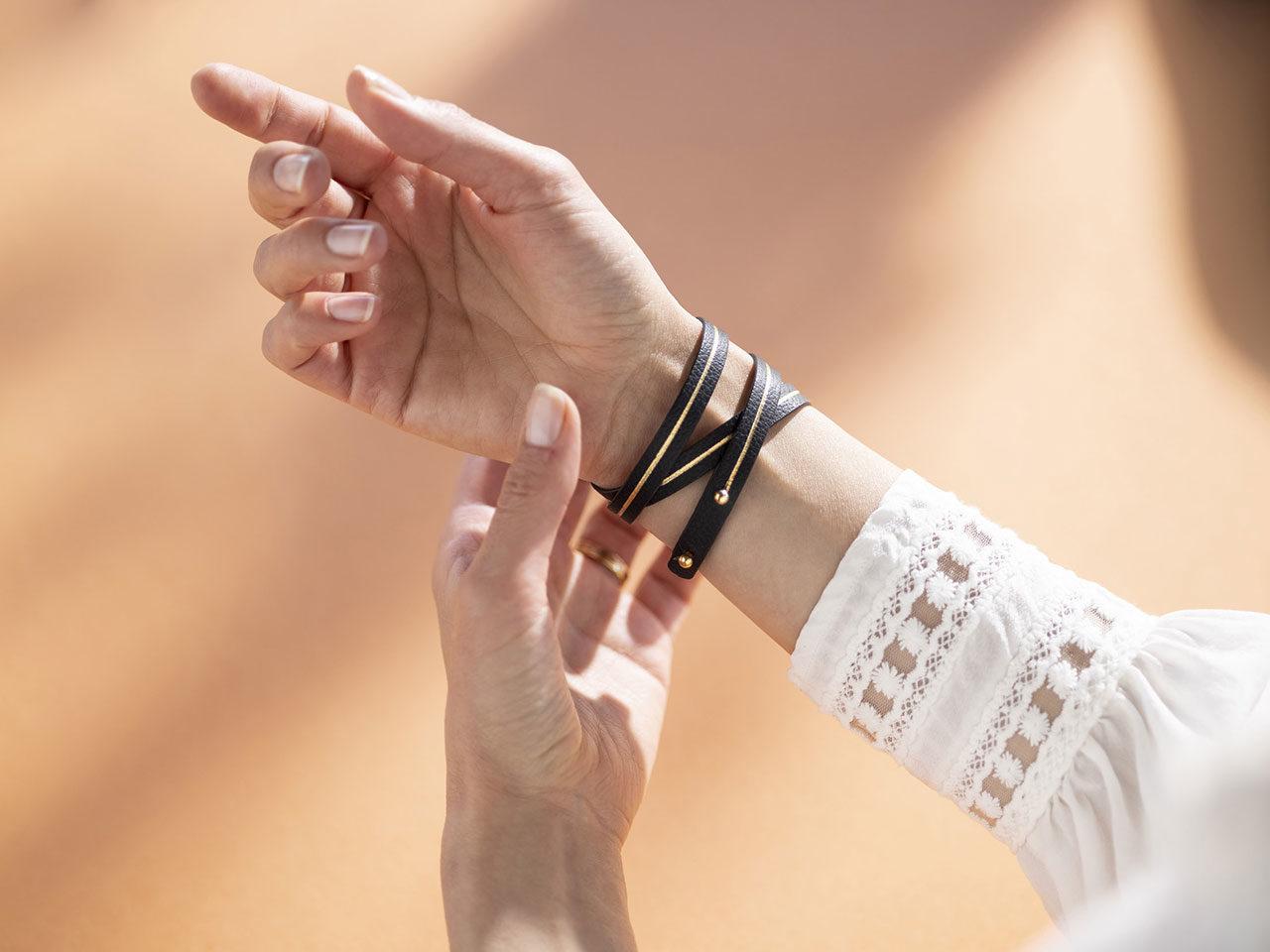 Maison AU bracelets cuir doré or